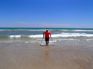 הליכה במים עם גומיות SANDPAD